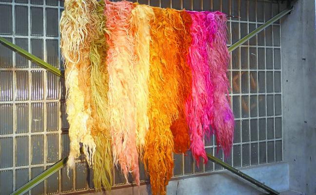 Ehun Ehun organiza un taller de teñido natural de lana en Ciriza