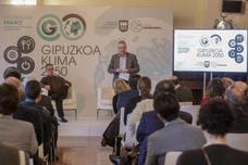 Asensio pide a los guipuzcoanos «un papel activo» contra el cambio climático