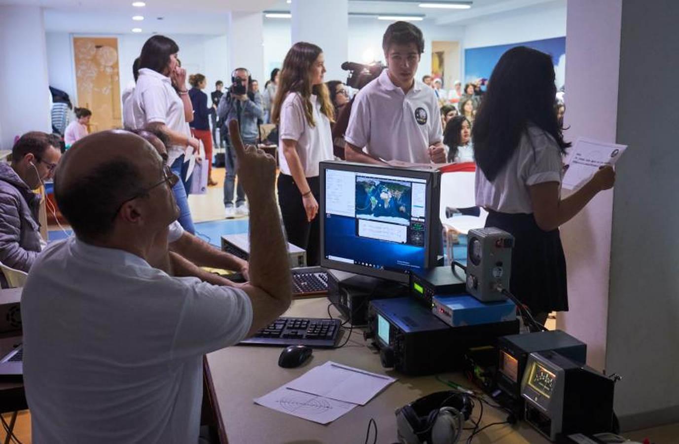 Así ha sido la conexión del colegio donostiarra con la Estación Espacial Internacional