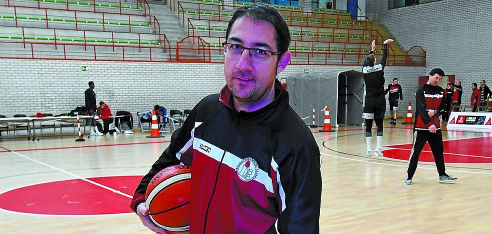Lolo Encinas: «Necesitábamos una victoria y ante el Iberostar el equipo hizo un buen trabajo»