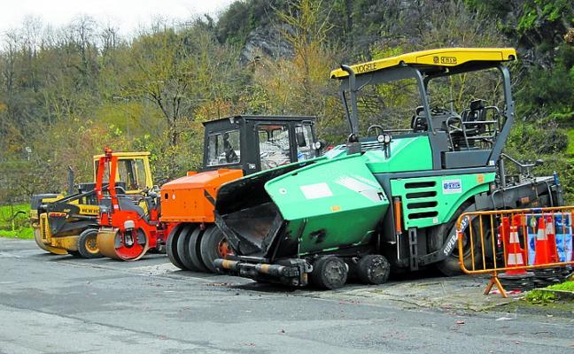 El Ayuntamiento pide paciencia y comprensión por los trabajos de asfaltado
