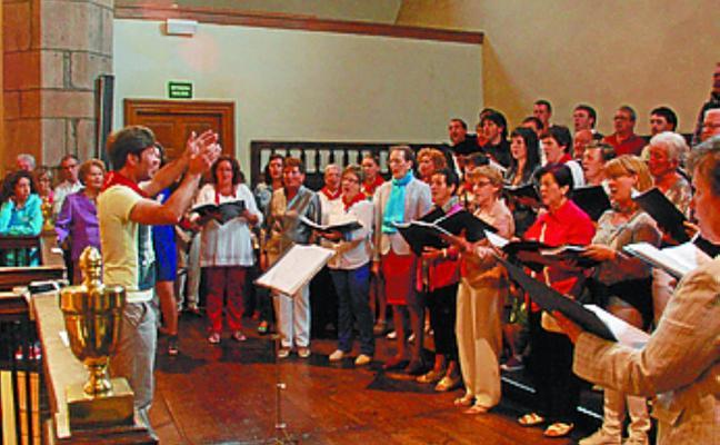 Concierto de la coral Mendi y la Banda de Txistularis de Donostia, mañana