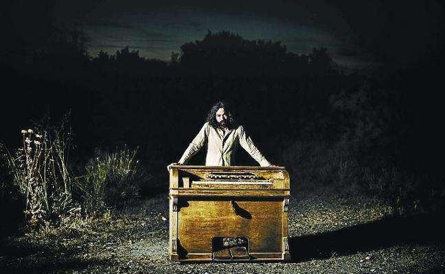 «Voy a mover hilos porque nunca he tocado un órgano Helmholtz»