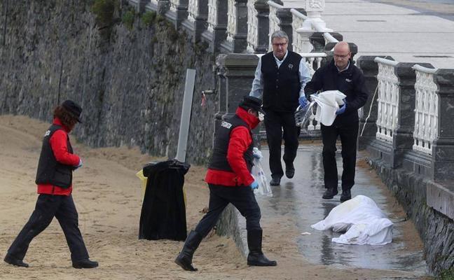 Aparece sin vida en aguas de Ondarreta un bañista donostiarra de 74 años