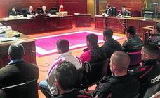 Una trama paquistaní estafó al menos 469.000 euros a Lanbide con pasaportes falsificados