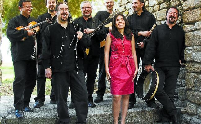 Luar Na Lubre celebra en Lugaritz más de tres décadas de folk gallego