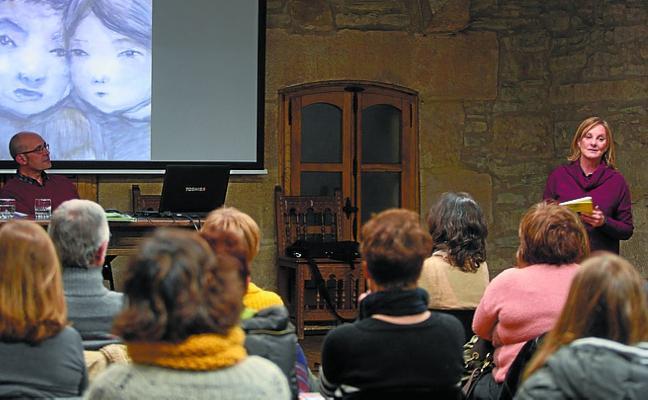 Arrate Egaña presentó su último libro en Casa Xenpelar