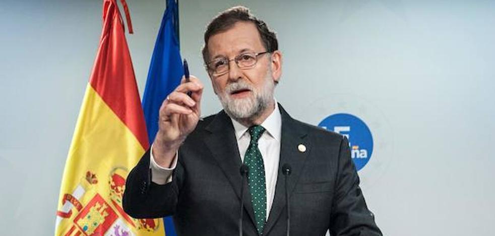 Rajoy se disculpa con León por atribuir a Reino Unido el origen del parlamentarismo