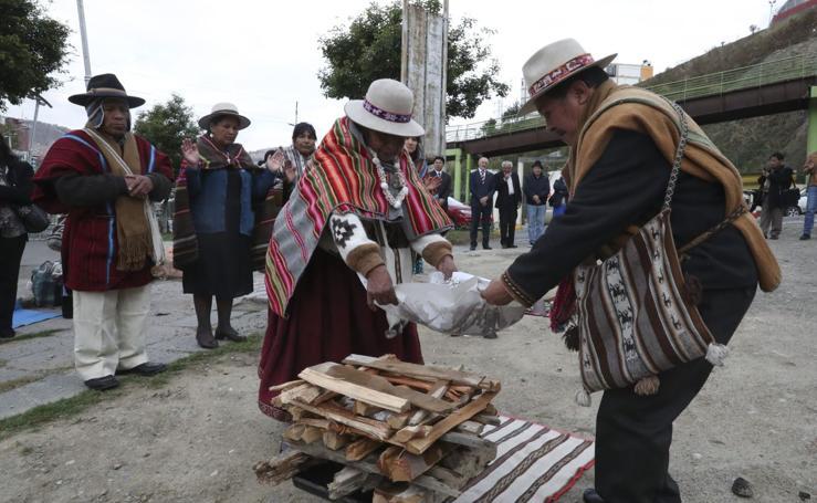 Ritual al sol en Bolivia