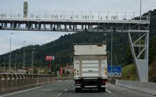 Empresas de Gipuzkoa asumen pagar el coste del peaje de la N-1 a sus transportistas