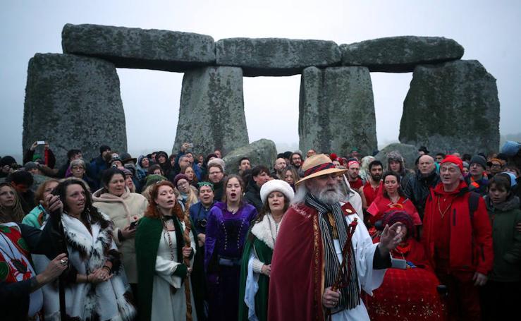 Celebran en Stonehenge el solsticio de invierno