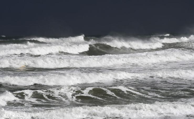 La borrasca 'Bruno' se deja notar en el litoral guipuzcoano