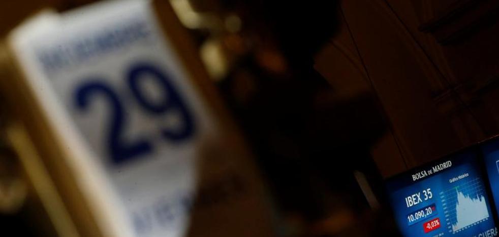 El Ibex-35 cede un 0,49% en la última sesión de un año en el que gana un 7,4%
