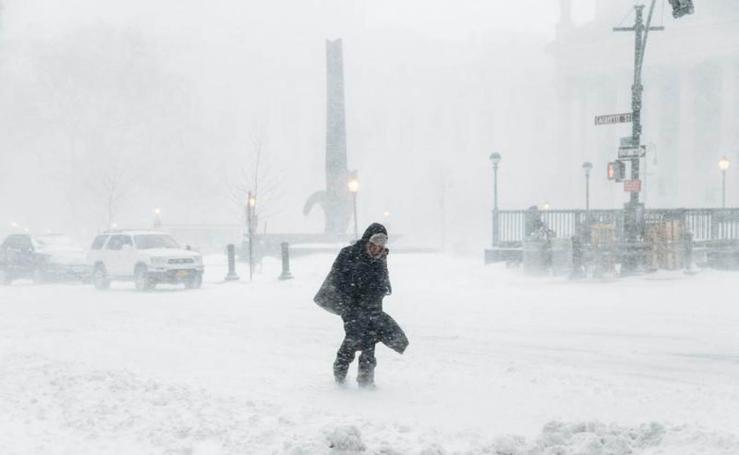 Una intensa tormenta de nieve castiga a Nueva York