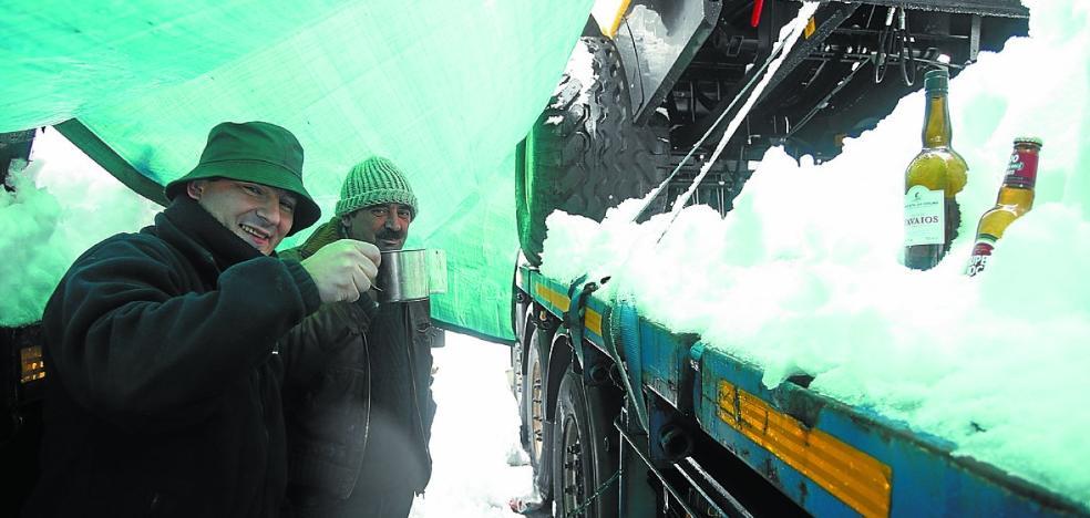 «Es increíble que en el siglo XXI nos quedemos tirados por la nieve»