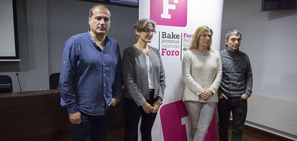 El Foro Social desvela que los presos de ETA están dispuestos a «reconocer el daño causado»