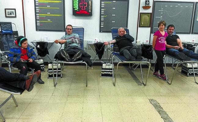 «La media de edad no es alta pero queremos rejuvenecer el listado de donantes de sangre»