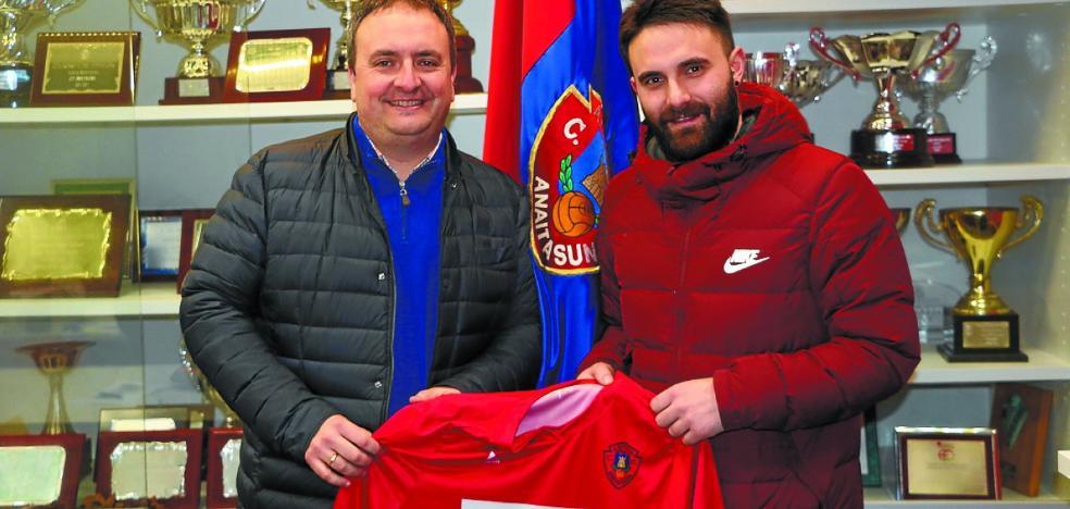 Xabier Artetxe, nuevo entrenador del equipo de Tercera del Anai