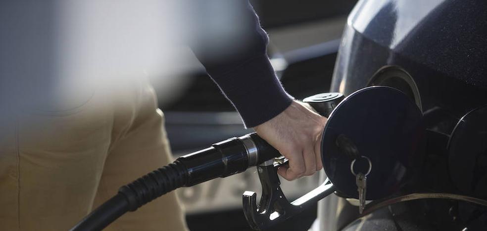Desmantelan una trama que defraudó 23 millones en Gipuzkoa y 17 en el Estado en el IVA de las gasolinas