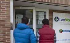 El Constitucional da la razón a Euskadi y anula la centralización de la ayuda de 426 euros a parados