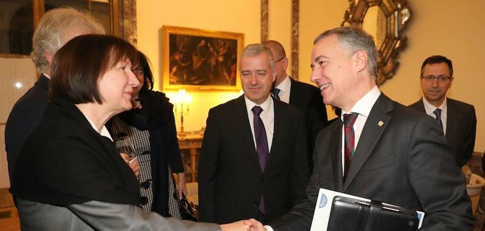 Urkullu pide una «participación efectiva» de Euskadi en la UE ante embajadores europeos