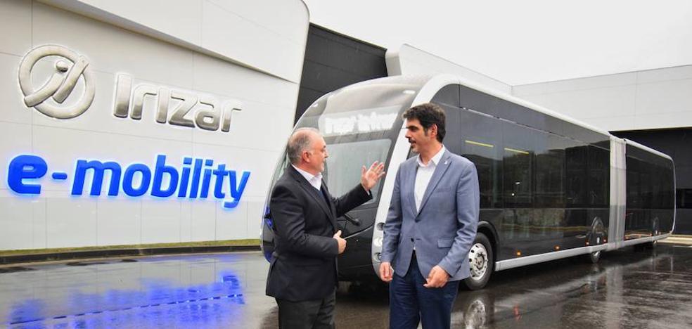 San Sebastián, primera ciudad en probar un autobús articulado 100% eléctrico con pasajeros