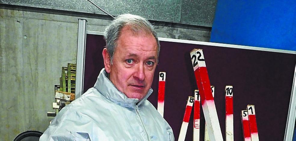 Antón Arrillaga: «Colocamos 780 estacas para marcar todo el recorrido»