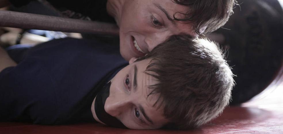 Una madre se querella contra un colegio por «encubrir» un caso de acoso escolar que sufrió su hijo