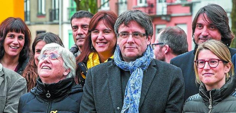 Junts per Catalunya afirma que nada impide investir a Puigdemont