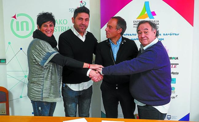 El Ayuntamiento y las empresas de Argixao acortan distancias