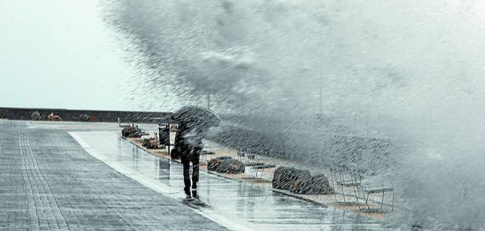 Euskadi se enfrenta ya a un aviso meteorológico cada tres días