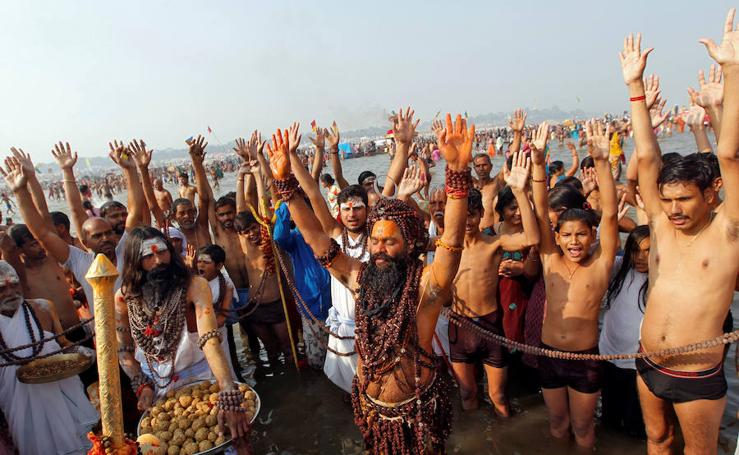 Los hindúes celebran el final del invierno
