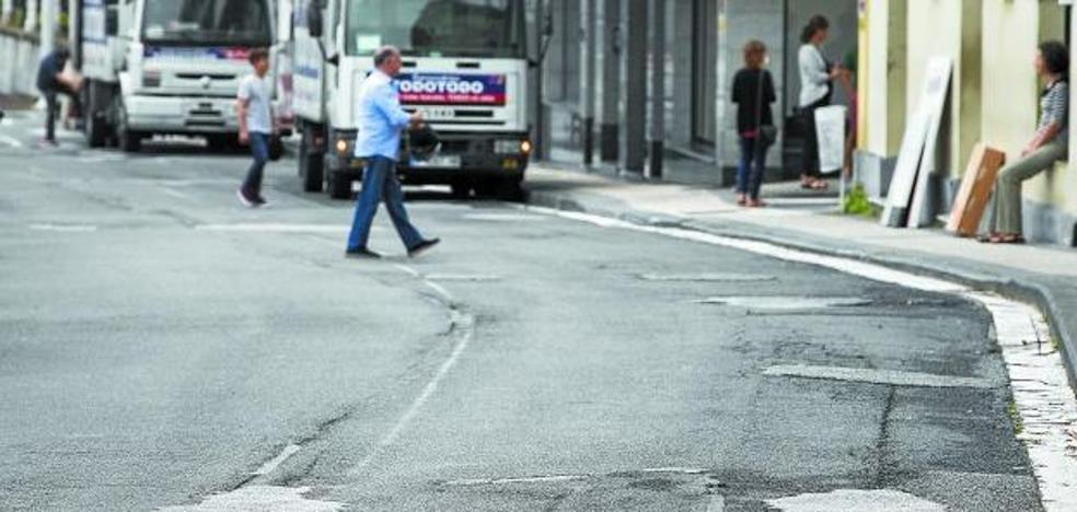 En un mes comenzará la renovación del pavimento de doce calles de Donostia