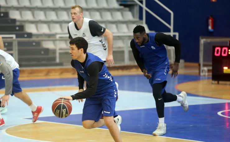 Entrenamiento del Delteco Gipuzkoa Basket