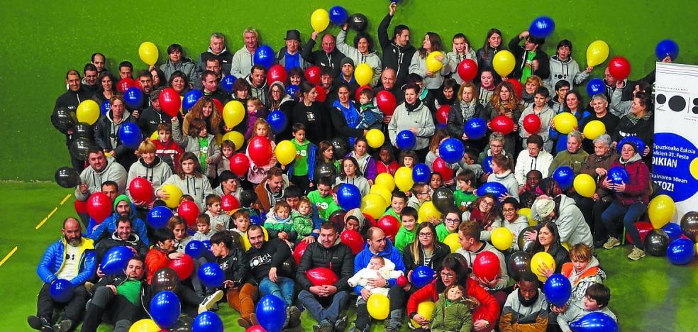 Auzolan erraldoia hasi dute Gipuzkoako 31. Eskola Txikien Festa antolatzeko