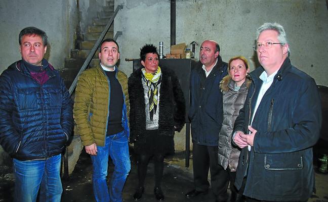 El Ayuntamiento y la Diputación acuerdan coordinar esfuerzos en la central de Sologoen