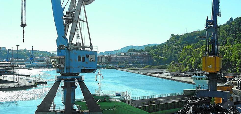 El puerto de Pasaia se hunde, con tráficos similares a los del momento álgido de la crisis