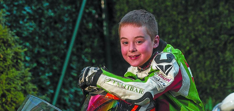 El piloto Beñat Fernández, campeón de Euskadi por partida doble en minimotos