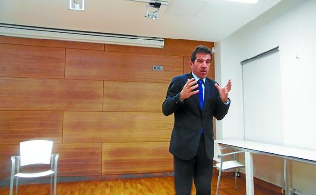 El catedrático Juanjo Álvarez habló sobre el futuro de Europa