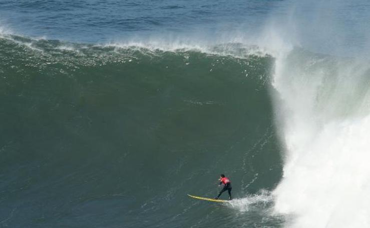 Campeonato de Euskadi de olas XXL en Deba