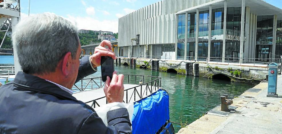 El presidente del Puerto dice a la juez que «todo el dinero está en la obra de la lonja»