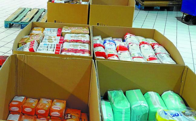 Recogida de productos en Ibarra para enviar al Sahara