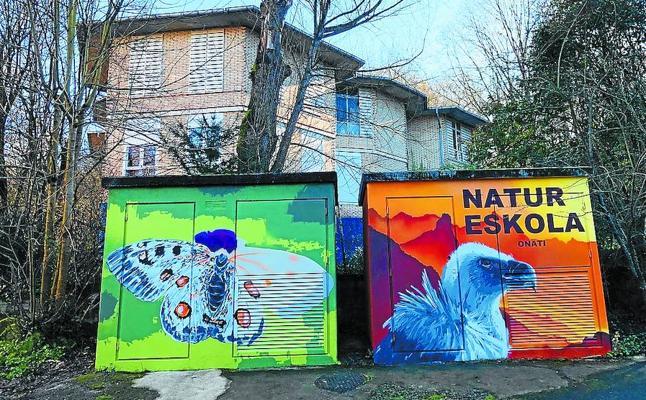 Lienzos de arte urbano en casetas eléctricas