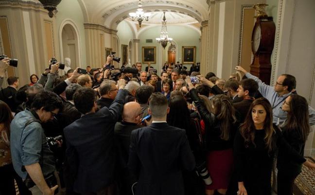Demócratas y republicanos alcanzan un acuerdo para poner fin al cierre de Gobierno