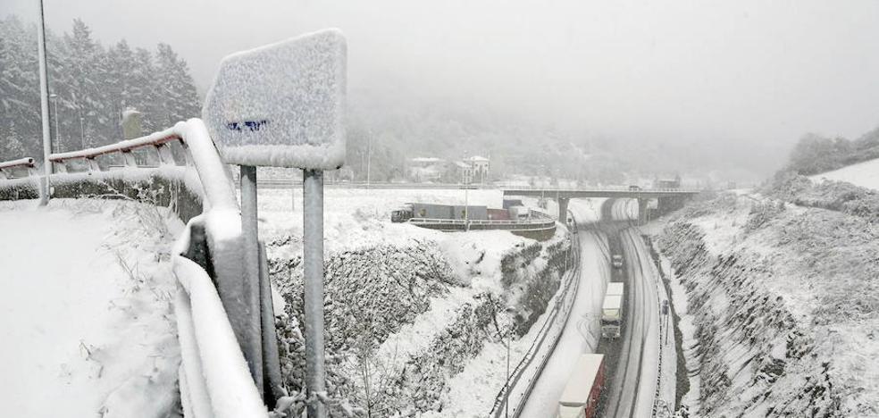 Alerta naranja en Euskadi por nieve a 300 metros a partir de esta tarde