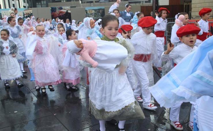 Desfile de iñudes y artzainas en Irun