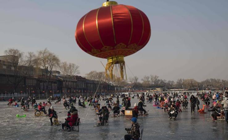 El lago Hou Hai congelado