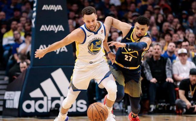 El triple imposible de Curry que merece un baile