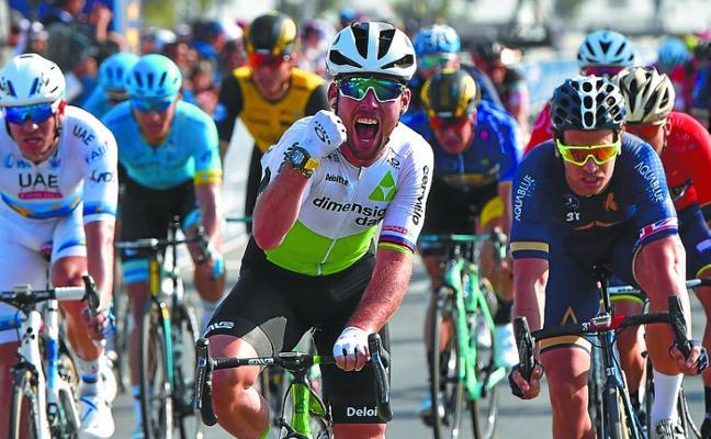 Cavendish gana en Dubái tras un año de travesía del desierto