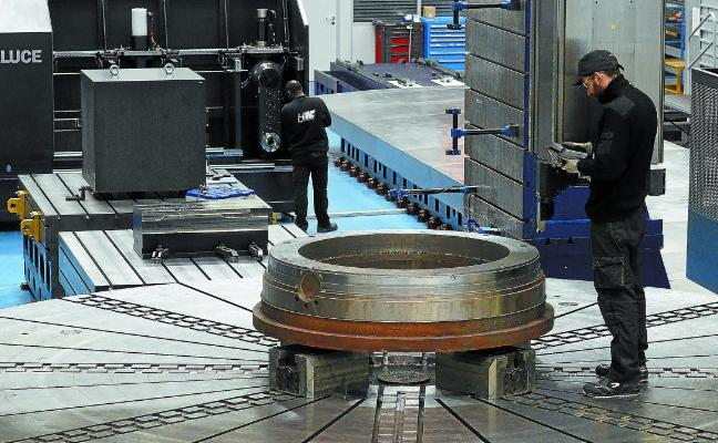 La industria vasca requiere más tamaño, innovación y profesionales para escalar hasta el 25% del PIB